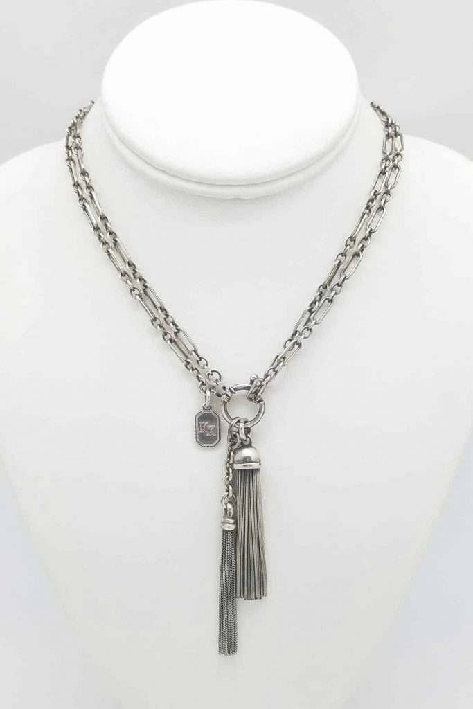 Long- short Tassel neck