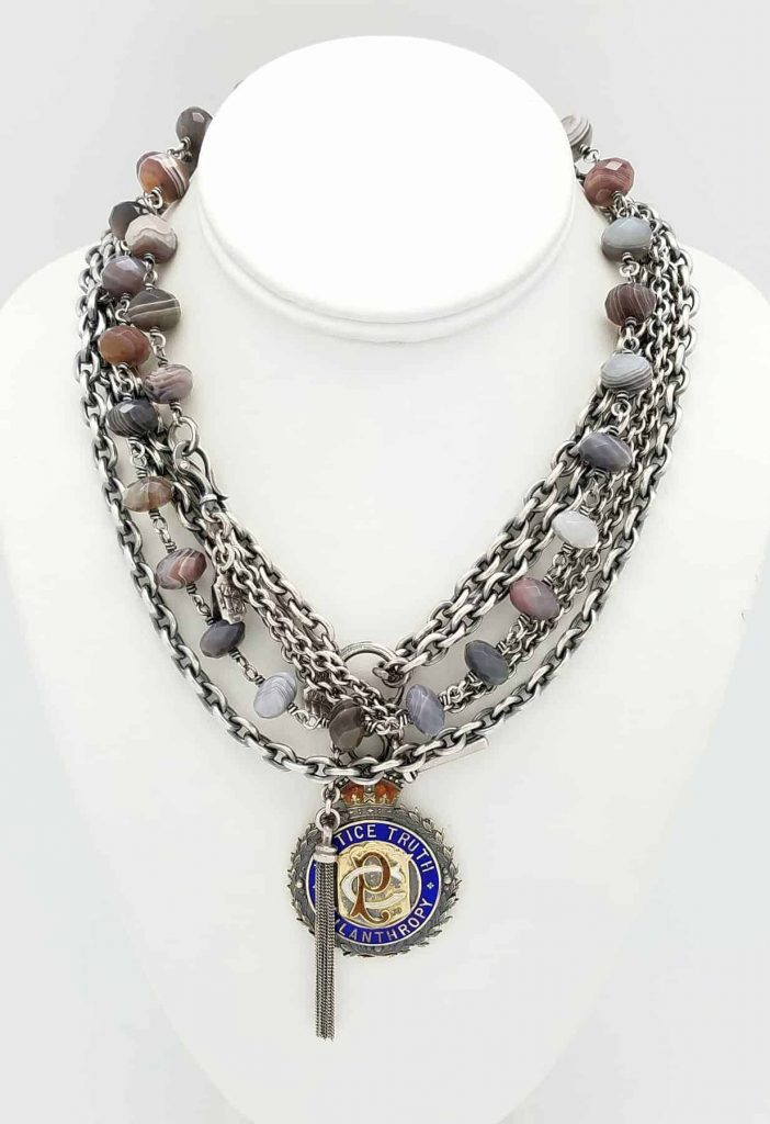 Sign.line Stripped Agate, English Medals, tassel neck.