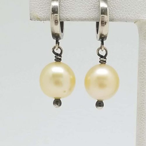 Kary Kjesbo Designs South Sea Golden pearl earrings 10.5mm